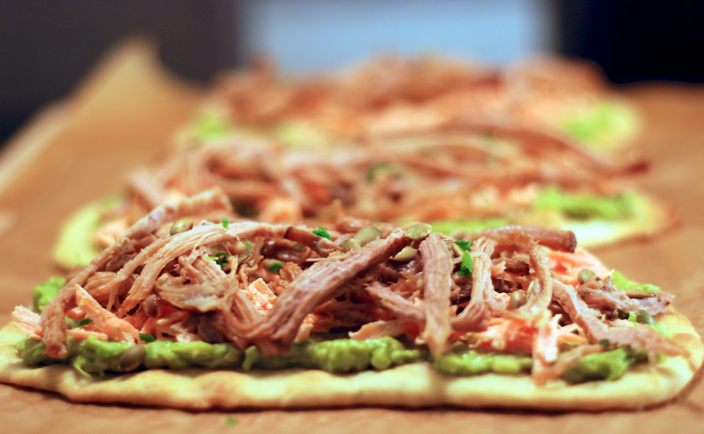 Flatbread med pulled pork & guacamole
