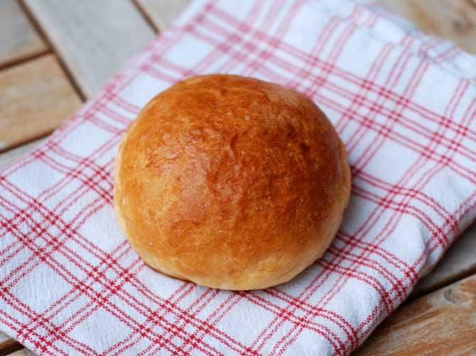 Hamburgerbröd av briochetyp